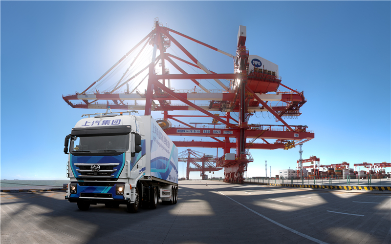 SAIC 5G truck makes its debut at Yangshan Port